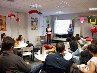 Presentando la Investigación de Mercado combinada con el Marketing Online